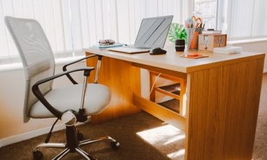 5 BENEFITS OF CHANGING THE DISTRIBUTION OF YOUR OFFICE FURNITURE
